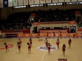 厦大啦啦队最炫民族风high翻全场(视频)