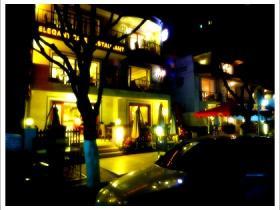 漫步西提咖啡馆:享受巴黎时光