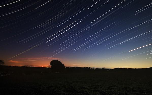 2012五月三大天象奇观:流星雨+日环食+火星合月