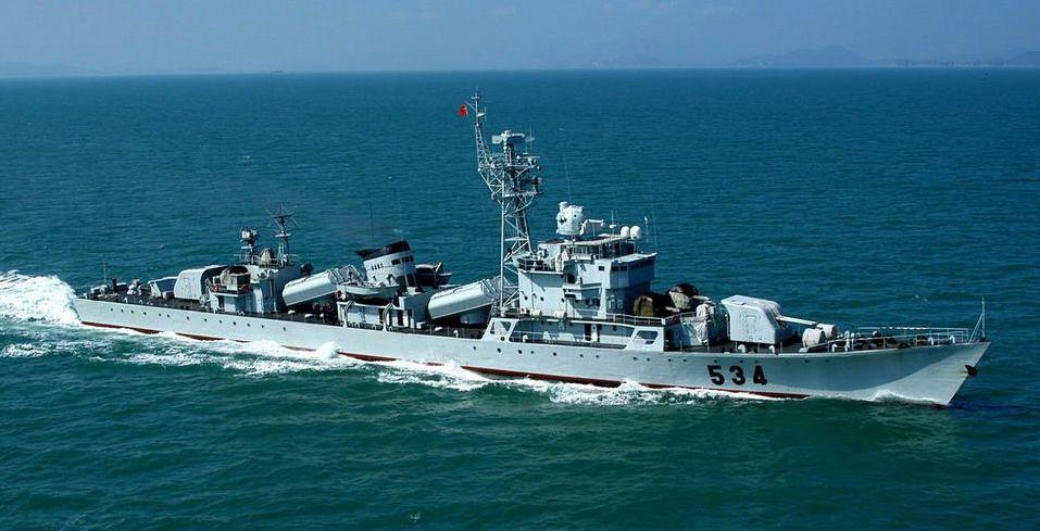 厦门鼓浪屿海域惊现534军舰(导弹护卫舰)