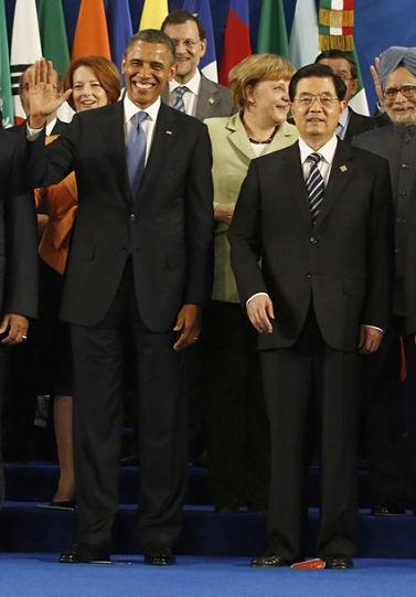 洛斯/G20合影:唯一一面鲜艳的国旗,胡锦涛收起五星红旗 2