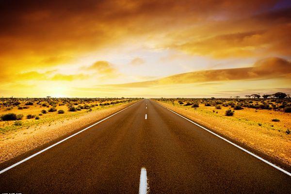 高速公路:节假日取消收费 免费通行