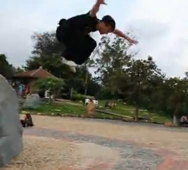 超炫:2012厦门EF跑酷视频