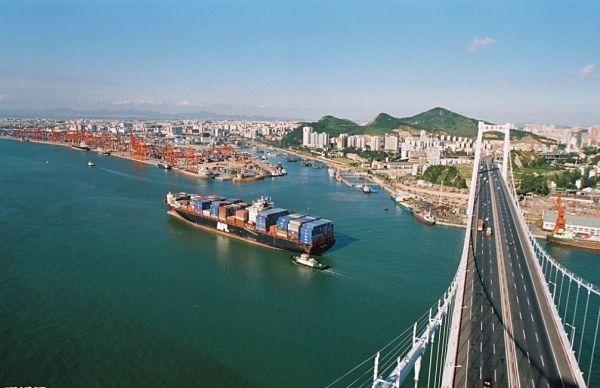 海沧大桥不堪重负 多解决方案难奏效