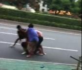 人渣·败类?厦门东渡不良青年当街殴打年老夫妇