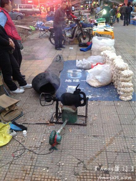 厦门SM二期:古老的爆米花制作方式