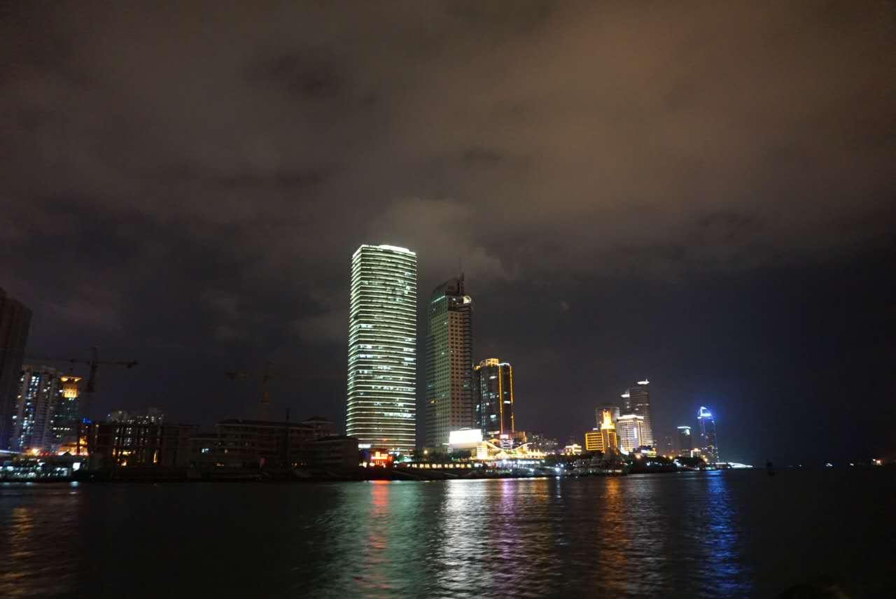 台风莫甘蒂:见证厦门的毁灭,也见证了这城市强大的内在