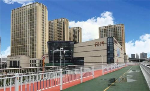 厦门五缘湾天虹购物中心:室内玻璃天桥&F1赛道超好玩